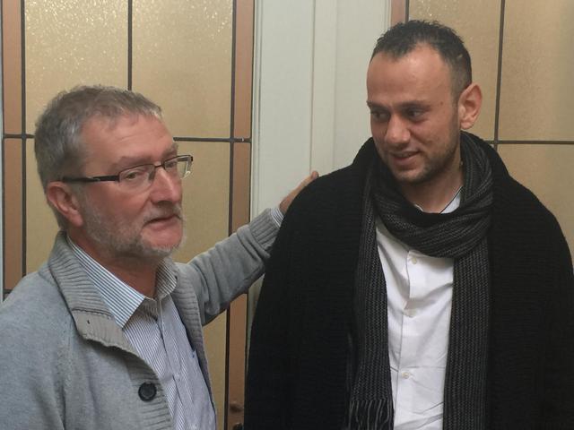 Younes vluchtte uit Aleppo en kwam via Turkije te voet naar België. Hij vond onderdak via Huizen van Vrede en is er nu ook vrijwilliger. © Lieve Wouters