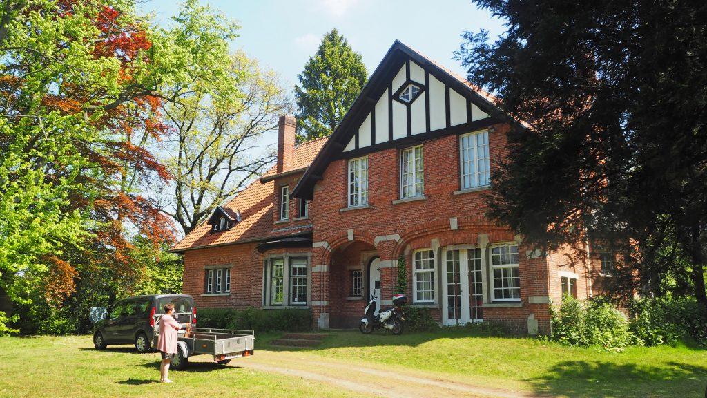 De villa van House of Colours vzw, een half jaar na de start van de werken